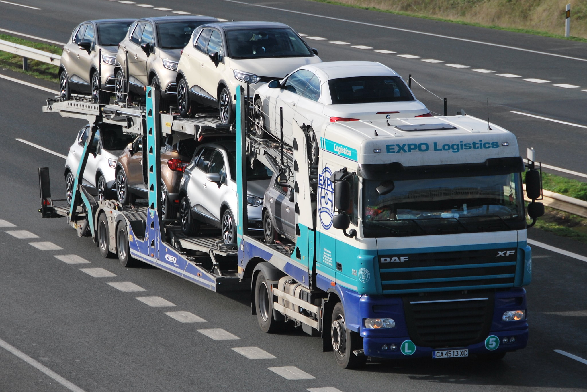 Logistics: Truck transporting cars